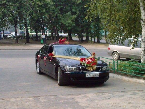 Автомобили и микроавтобусы на свадьбу