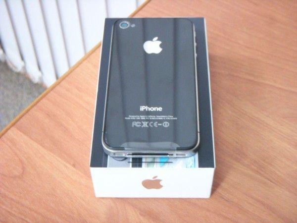 Продаем новые. Apple iPhone. 4 16Gb sim- free.