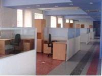 Сдам в аренду офисы 70 и 90 кв.м.(1 этаж) с интернетом(евроотделка)