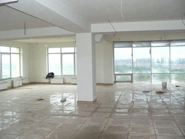 Предлагаются в аренду помещения под офисы, рестораны, кафе, магазины и любую деятельность.