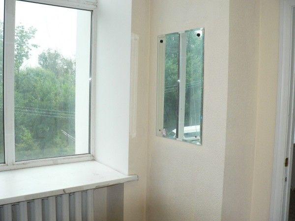 Предлагается в аренду помещение с отдельным входом.