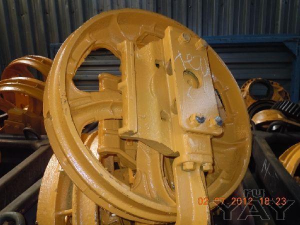 Предлагаю колесо натяжное (ленивец) 50-21-305\306сп на т-130, т-170, б-10