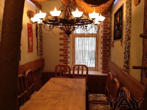 Продаю большую квартиру под жилье, кафе или офис в центре астрахани