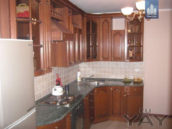 Продам улучшенную квартиру в кирпичном доме