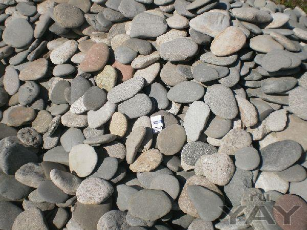 Речной камень, галька, валун, песчаник.
