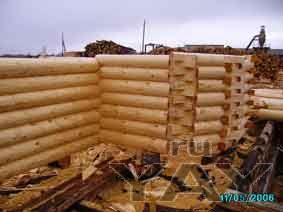 Требуются специалисты: плотники, строители